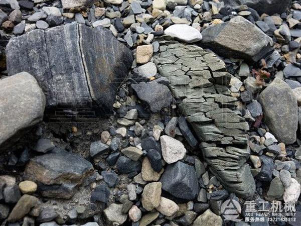 山上风化岩石