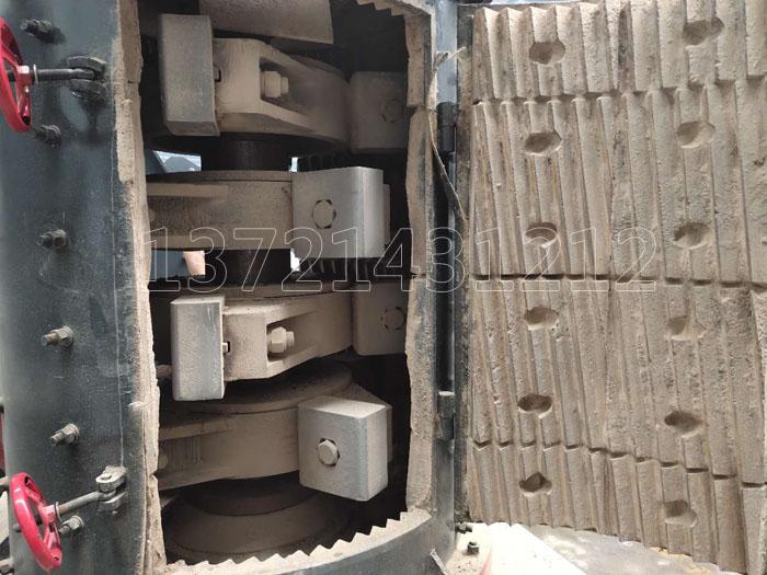 立式板锤制砂机内部结构
